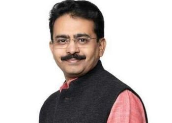 after-overcoming-corona-mp-rajiv-satav-was-admitted-to-the-hospital-because-of-infection-of-pneumonia