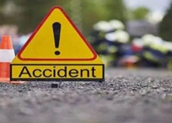 pune-accident-news-22-years-old-youth-dead-in-road-accident-another-boy-injured