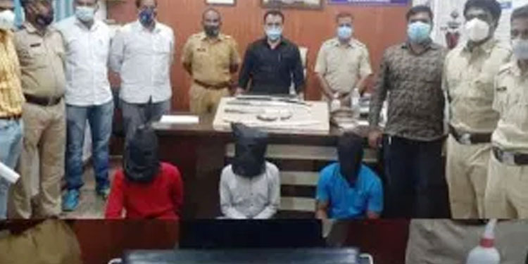 Ranjangaon MIDC police arrest accused of robbery Sharp weapon seized