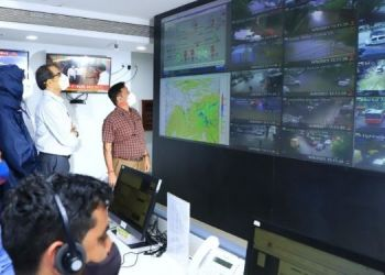 chief-minister-uddhav-thackeray-inspected-mumbai-from-his-car-and-took-a-complete-review