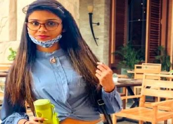 Mumbai Crime News. A young woman returning from Dubai committed suicide by hanging herself in a hotel, complaining against her boyfriend and his wife.