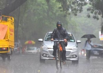 Rain in Maharashtra   imd give red alert to konkan for next 48 hours possibilities on very heavy rainfall in mumbai and pune