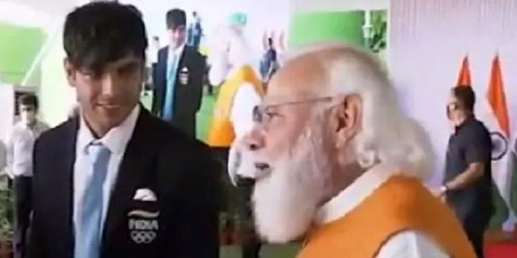 PM Modi pm narendra modi eating food only one time these days due to chaturmas watch video