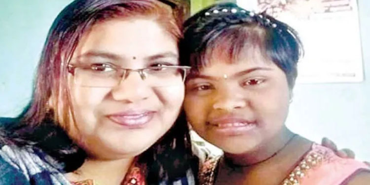 Sangli Crime mother and daughter in Kodoli committed suicide by jumping into the Warna River