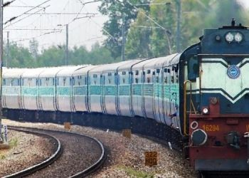 Indian Railways News | Does IRCTC refund the ticket money if you do not travel after getting RAC seat ?, Learn Railway Rules.