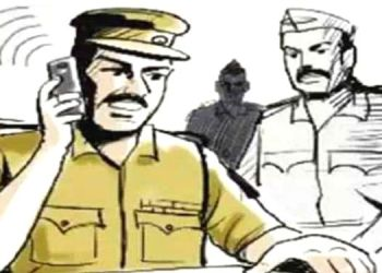 Pimpri Crime   The police, who had gone to settle the dispute, were arrested