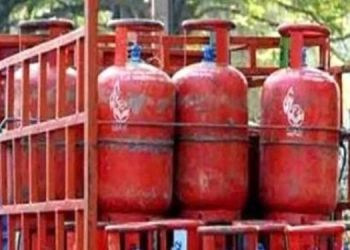lpg cylinder subsidy lpg consumers ready to pay rs 1000 per cylinder govt no clarity on subsidy