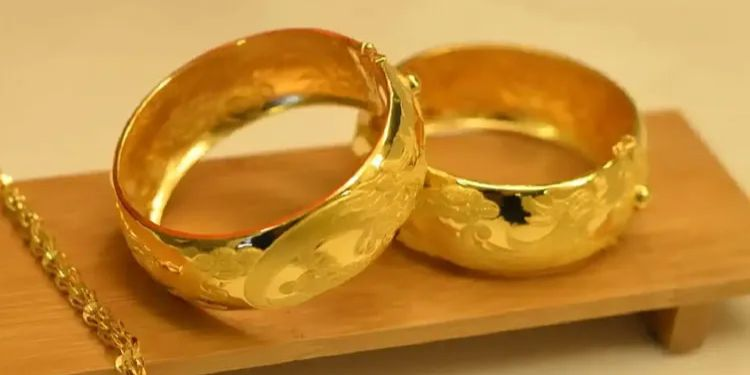 Gold Price Update | gold silver jewelry price rate update 13th october know latest rate indian sarafa market.