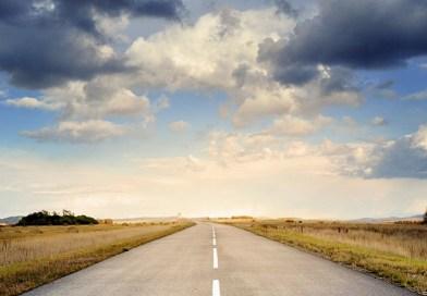 В жаркую погоду дорога может быть скользкой