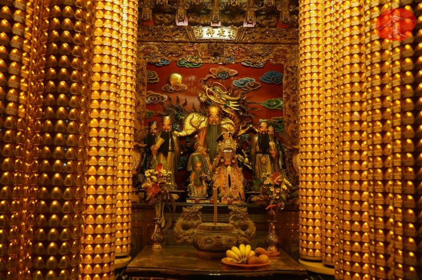 7557_4144_011_Temple.JPG