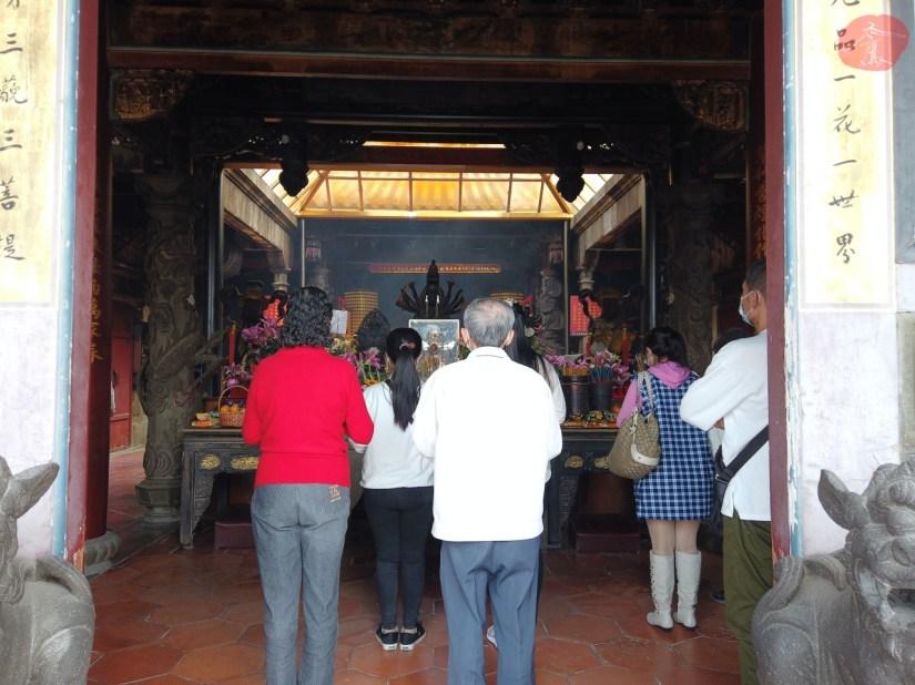 8710_10120_012_Temple.JPG