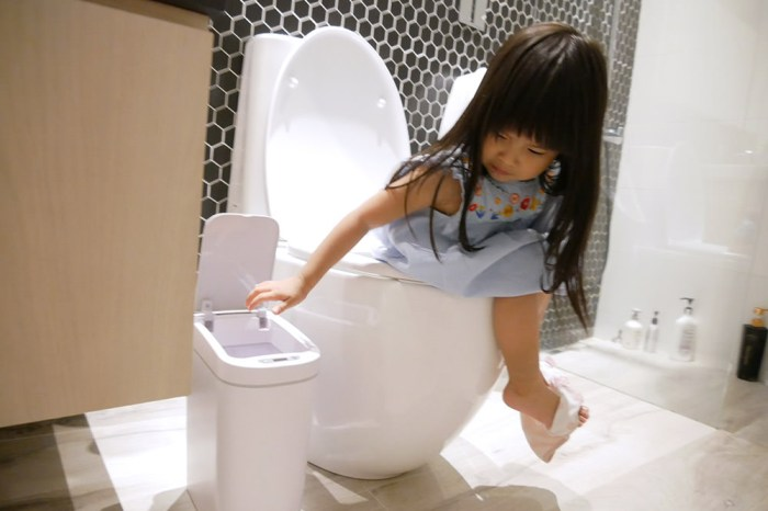 [啾團] 美國NINESTARS感應垃圾桶不怕丟垃圾沾到細菌病毒.隔絕尿布臭味讓居家環境大提升