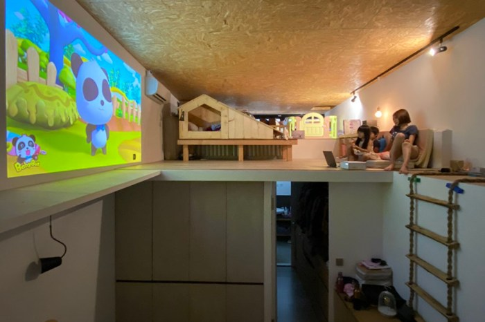 [啾團] Epson EF-100WATV自由視 移動光屏雷射投影機.最小的 3LCD投影機.家裡隨處都是我的電影院