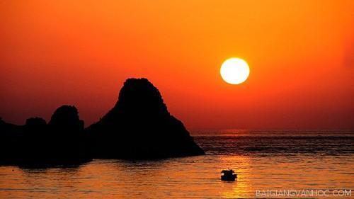 Tả cảnh biển lúc hoàng hôn