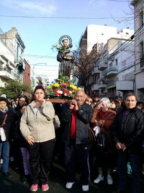 Fieles en procesión(Gentileza del Santuario de Parque Patricios)