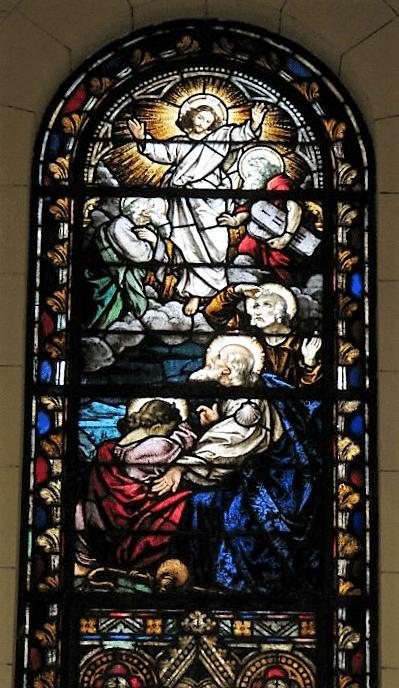 vitral central del altar santiago apostol