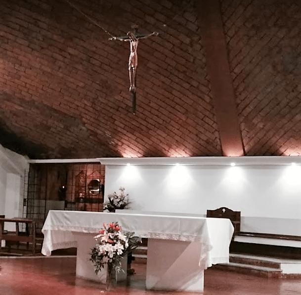 Altar señora de la paz