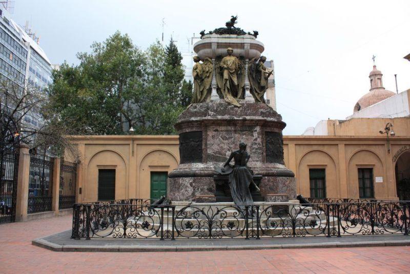mausoleo. Belgrano. Ba iglesias