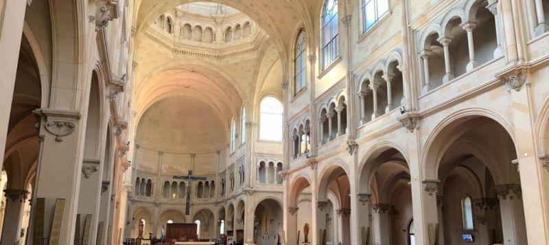 Los Monjes Benedictinos en la Ciudad