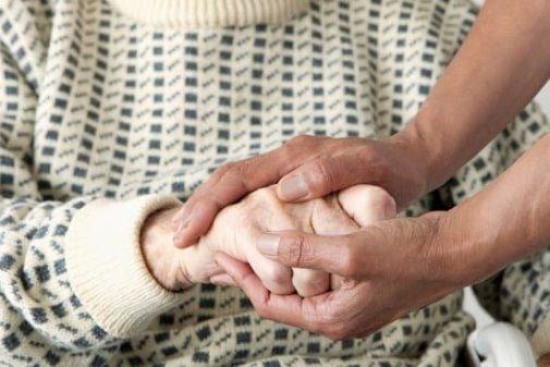 prendre soin des anciens