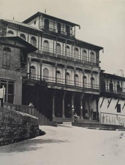The Palace, Kurundwad (Senior)