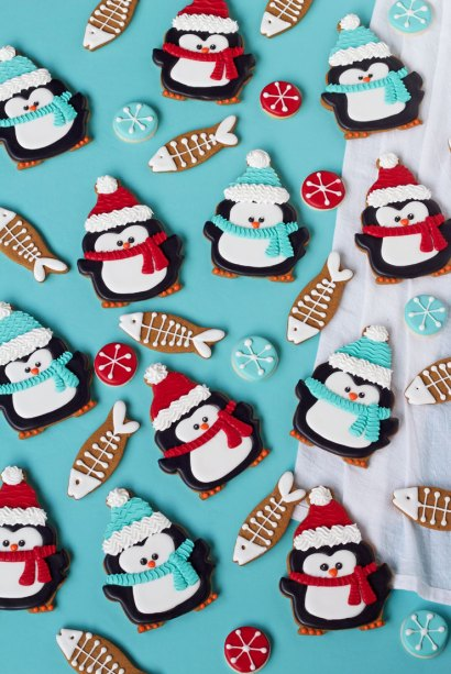Simple-Penguin-Cookies-with-Fun-Fish-Cookies