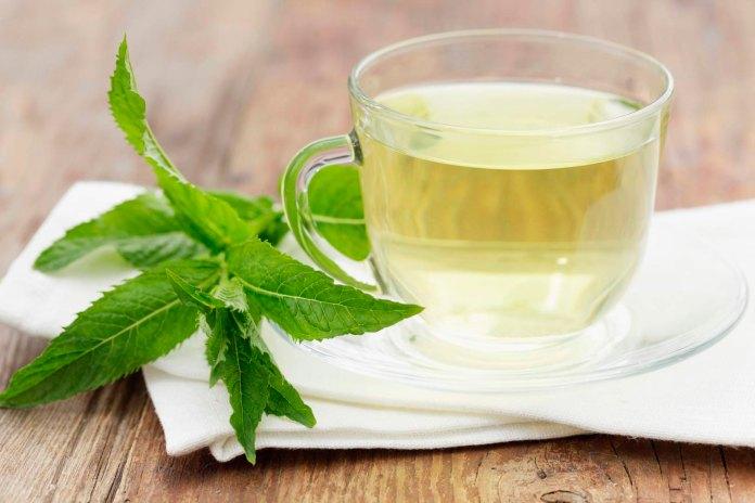 12 beneficios respaldados por la ciencia del té de menta 1