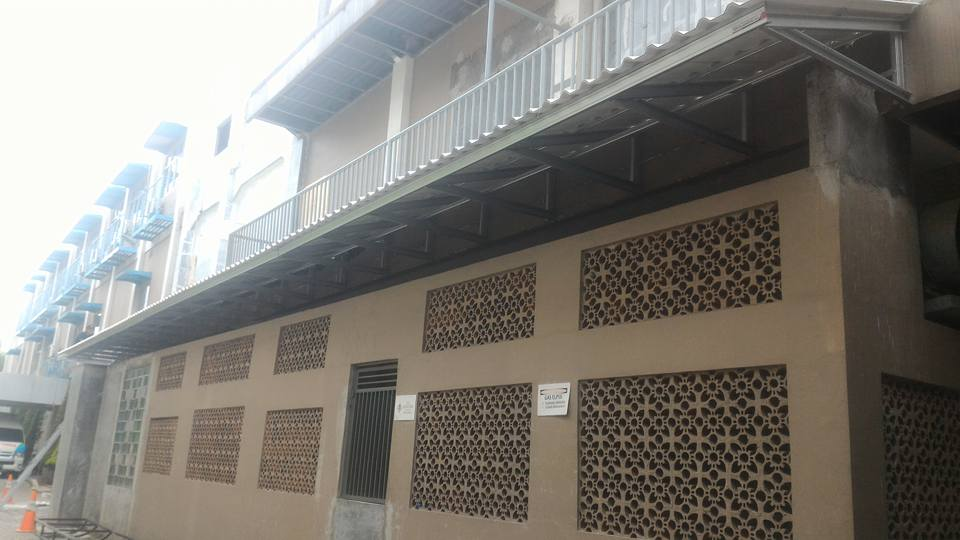pemasangan baja ringan di cikarang proyek kanopi atap rooftop alderon rs ...