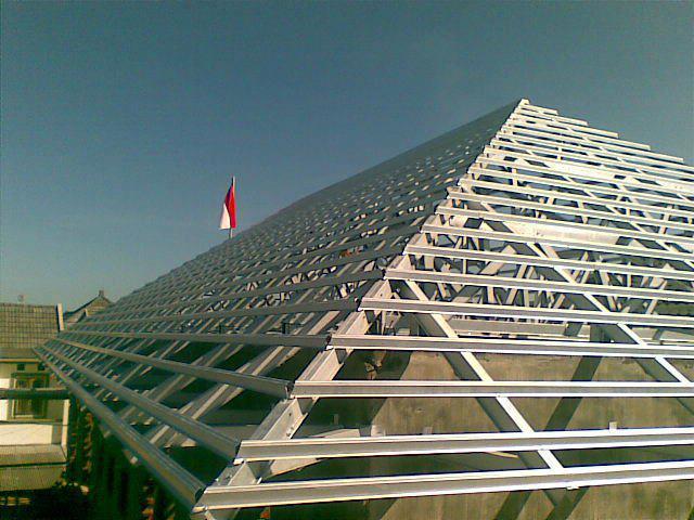 harga baja ringan ukuran 1 mm perbandingan pemasangan atap kayu vs ...