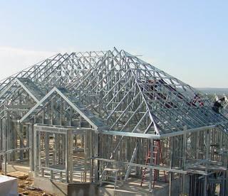 perbandingan harga baja ringan vs kayu pemasangan atap ...