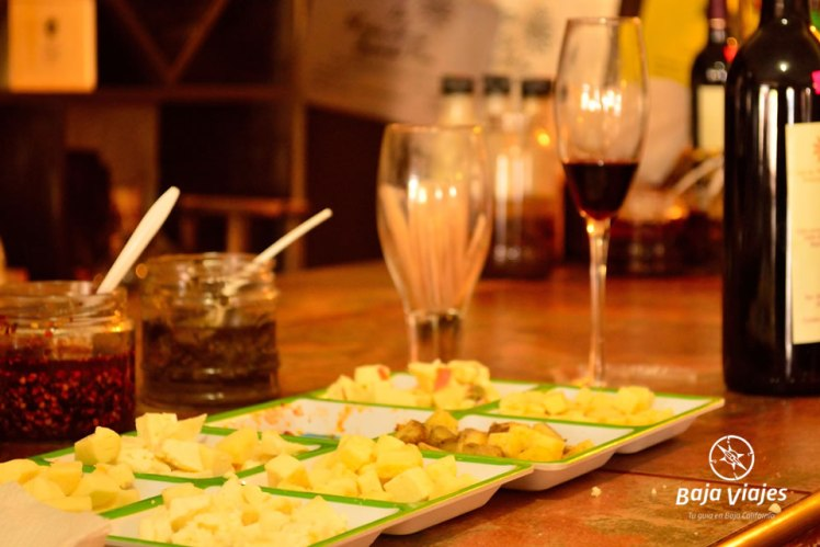 Degustación de queso, pan y vino en Sol de Media Noche, Valle de Guadalupe