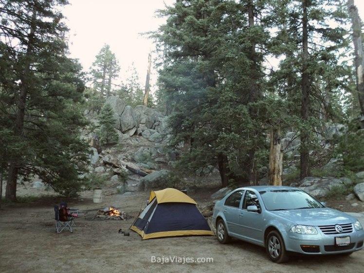 Campamento en el Parque Nacional Sierra de San Pedro Mártir, Baja California.