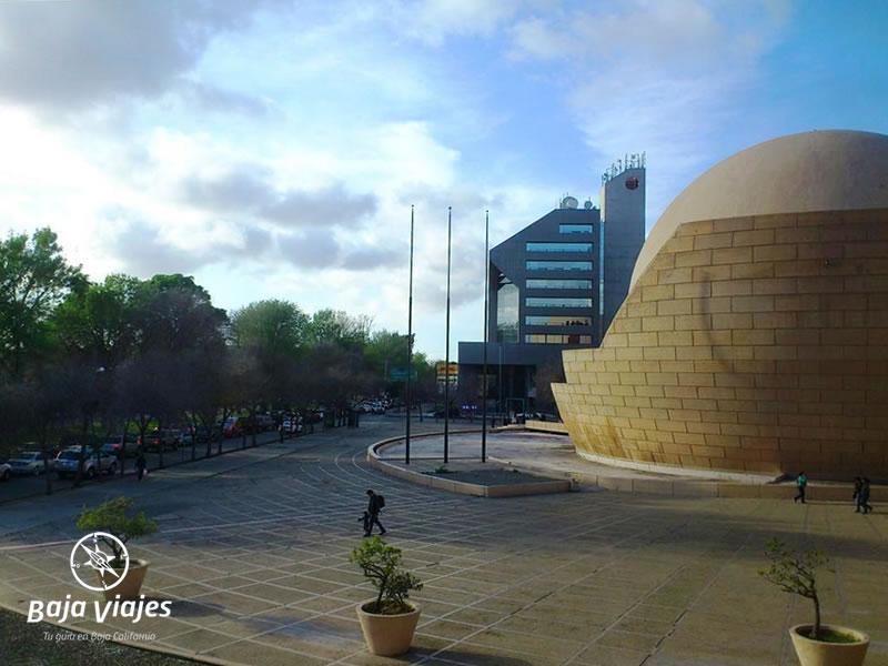 Vista de la Explanada del Centro Cultural Tijuana, durante el City Tour Tijuana