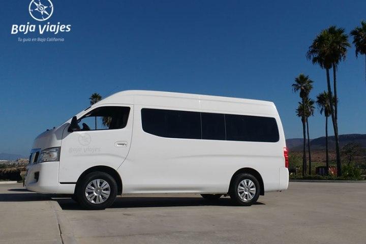 Van Nissan Urvan 2015, 13 pasajeros. Transporte turístico en Baja California.