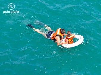 Snorkel durante el paseo en barco en Los Cabos