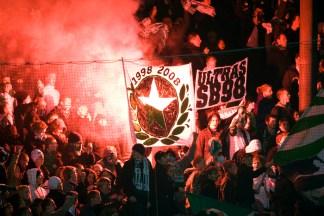 2008-11-03, Fotboll, Allsvenskan, Söderstadion, Hammarby - Malmö (3-6); Fans, Publik, Bengaler, rök, flaggor, Hammarby. ©Andreas L Eriksson