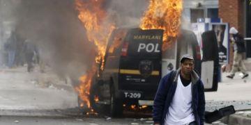 Toque de queda declara alcaldía en Baltimore por disturbios 7