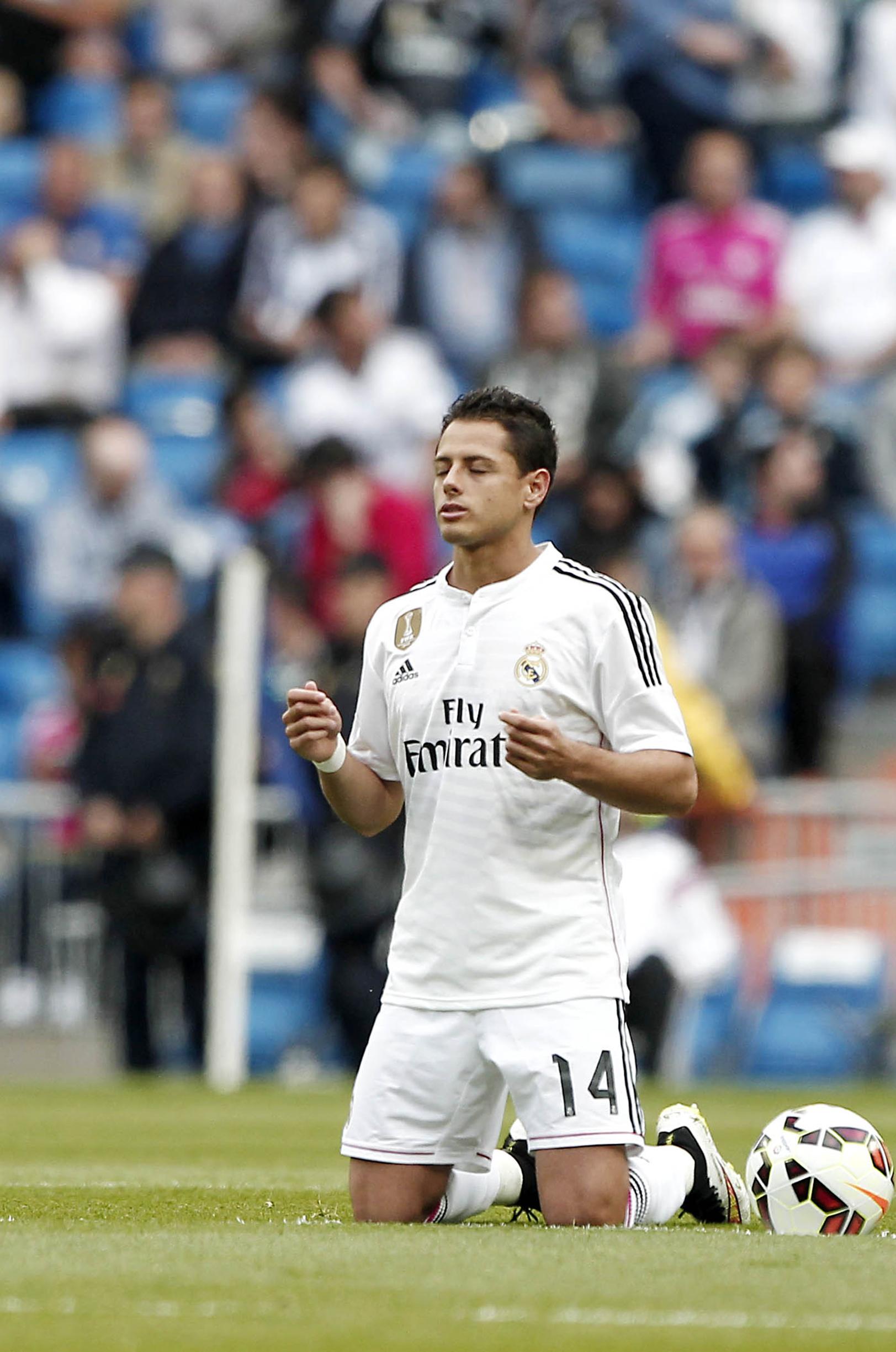 """Con """"Chicharito"""" los 90 minutos, Real Madrid despacha 3-0 al Almería"""