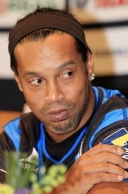 Aseguran retiro de Ronaldinho a final de campaña, en Brasil