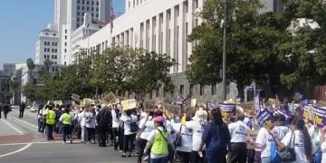 Marchan un millar contra desarme nuclear en Nueva York 8