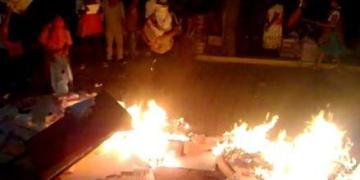 Quema MPG papelería electoral en Tlapa 8