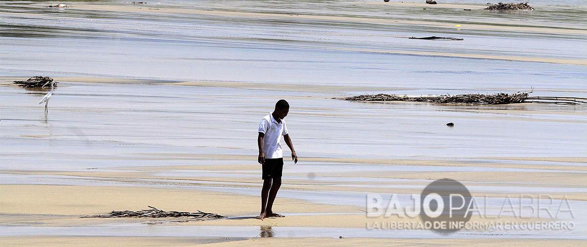 Mantiene gobierno en el olvido a afectados por Mar de Fondo en Coyuca de Benítez
