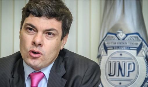 Interpol lanza búsqueda de hija de funcionario colombiano