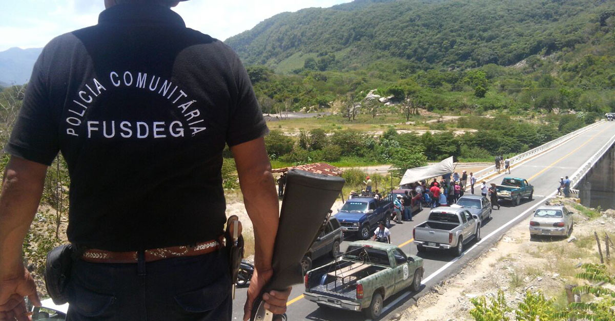 Bloquea FUSDEG accesos; exigen justicia por asesinato de comisaria