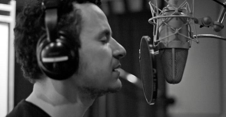 ¿Por qué tu voz es tan rara al escucharte en una grabación? 2