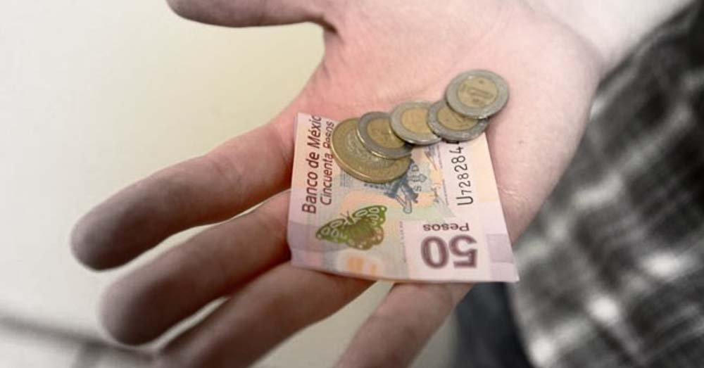 Trabajadores piden que salario mínimo se eleve a 176.72 pesos