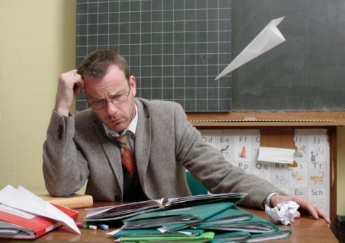 Policías, maestros y choferes sufren más estrés laboral - Bajo Palabra
