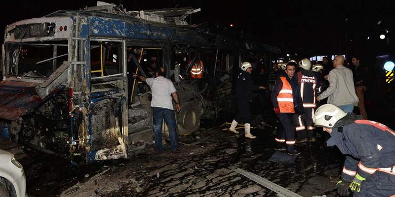 Atentado en Turquía deja 11 policías muertos y 70 heridos