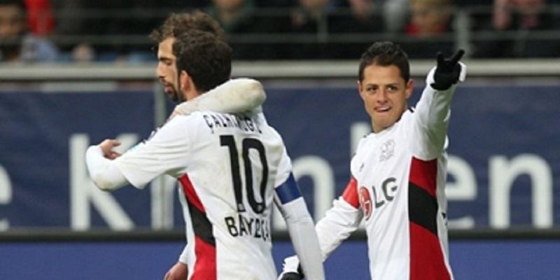 Retorno tardío de Chicharito pesará a Bayer en pase a Europa League