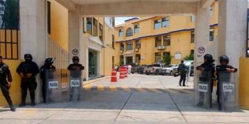 Sesiona Congreso de Guerrero en hotel por paro de trabajadores 12